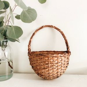Other - Vintage wicker wall hanging basket
